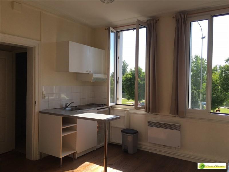 Location appartement Angouleme 325€ CC - Photo 1