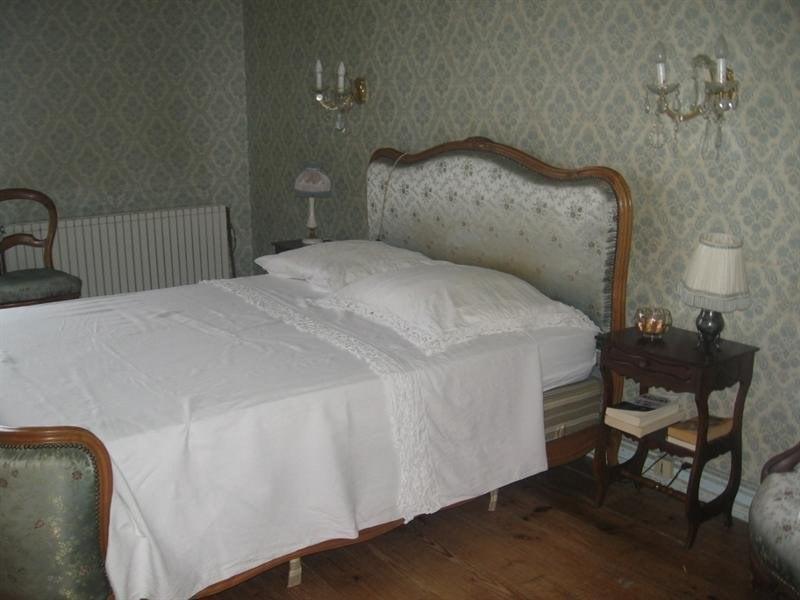 Sale house / villa Montguyon 260000€ - Picture 9
