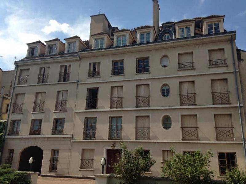 Location appartement Poissy 998€ CC - Photo 1