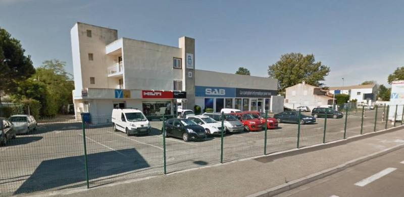Location local commercial Avignon 1 610€ CC - Photo 1