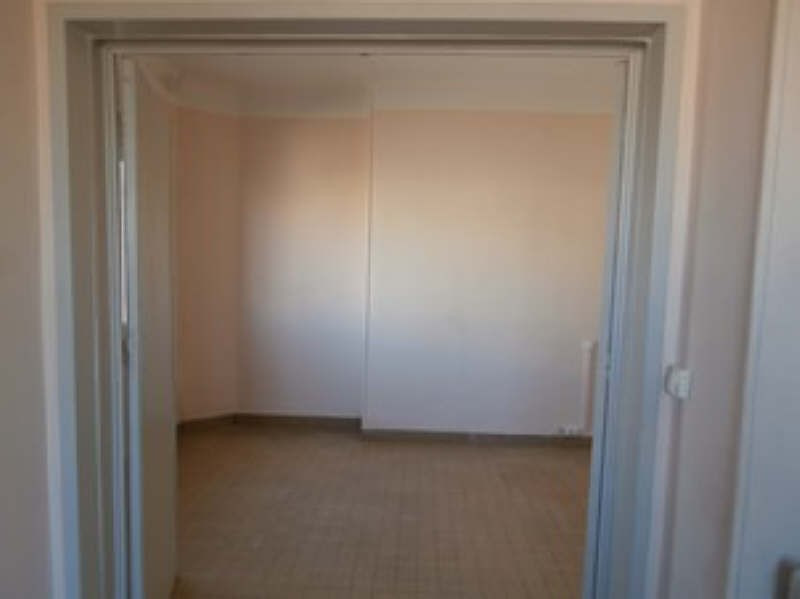 Rental apartment Marseille 2ème 470€ CC - Picture 2
