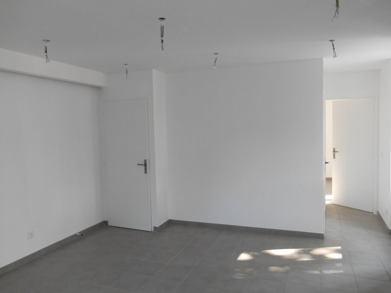 Rental apartment Bonnefamille 560€ CC - Picture 5