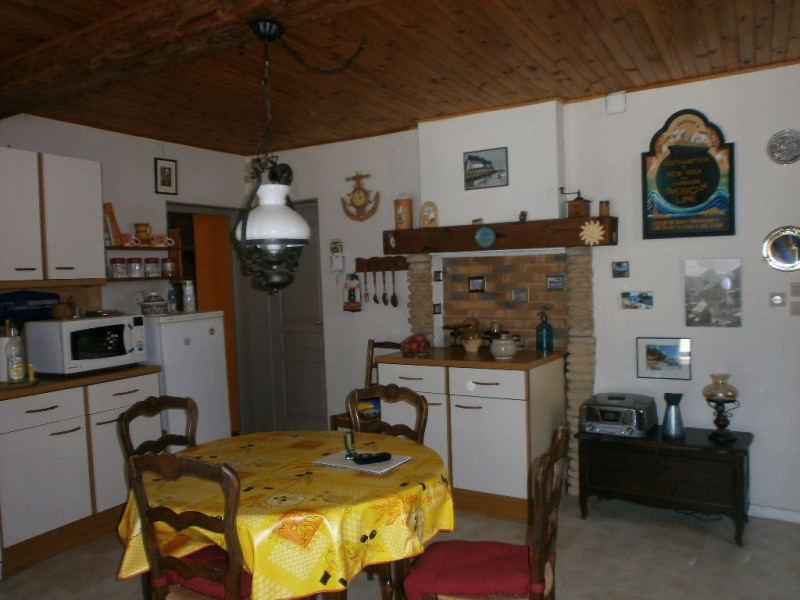 Sale house / villa Bourgoin jallieu 209000€ - Picture 4