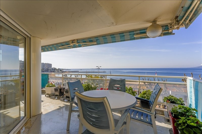 Deluxe sale apartment St raphael 1 090 000€ - Picture 4