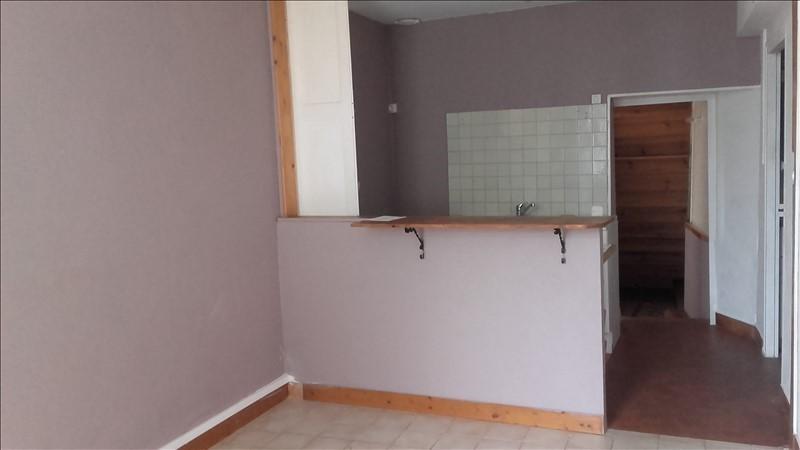 Location maison / villa St quentin en mauges 420€ CC - Photo 3