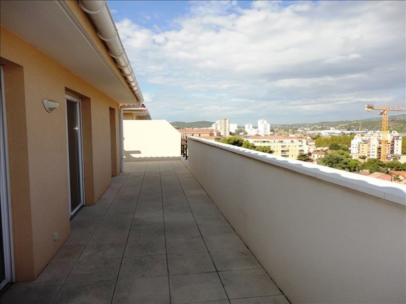Location appartement Seyne sur mer 726€ CC - Photo 2