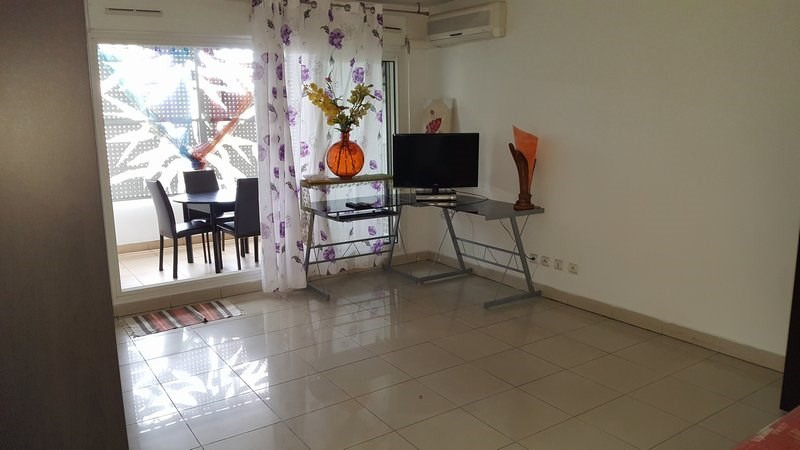 Location appartement Ste clotilde 570€ CC - Photo 2