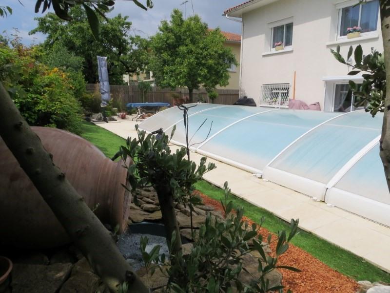 Sale house / villa Angouleme 233200€ - Picture 1