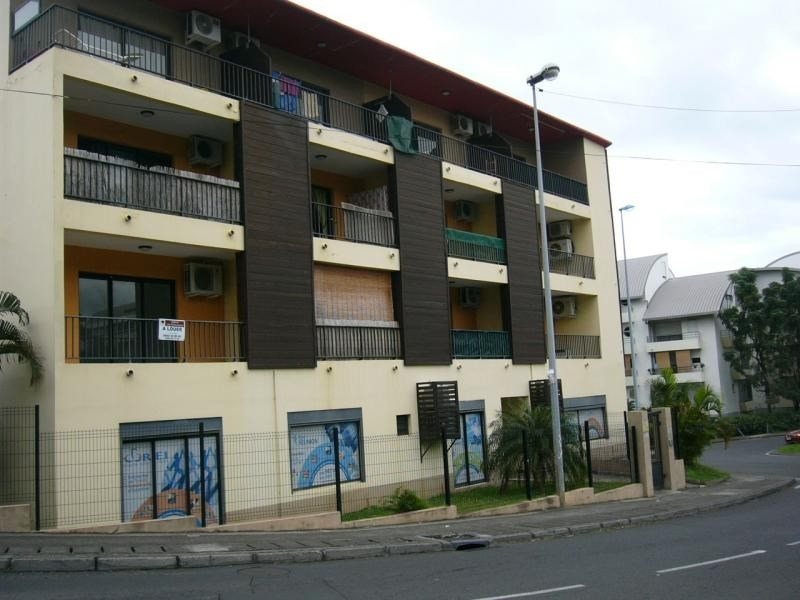 Location appartement Ste clotilde 442€ CC - Photo 1