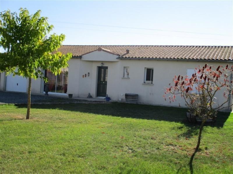 Sale house / villa St pierre de l ile 162500€ - Picture 1