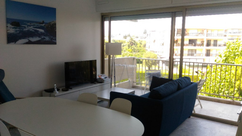 Location appartement Antibes 850€ CC - Photo 1