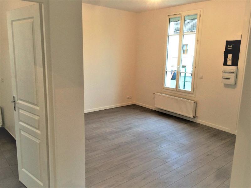 Rental house / villa Montigny-lès-cormeilles 930€ CC - Picture 5