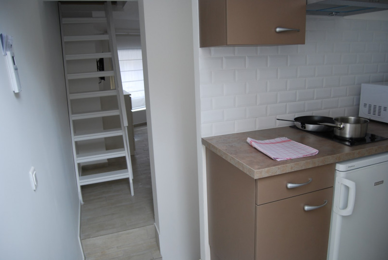 Location appartement Fontainebleau 930€ CC - Photo 3