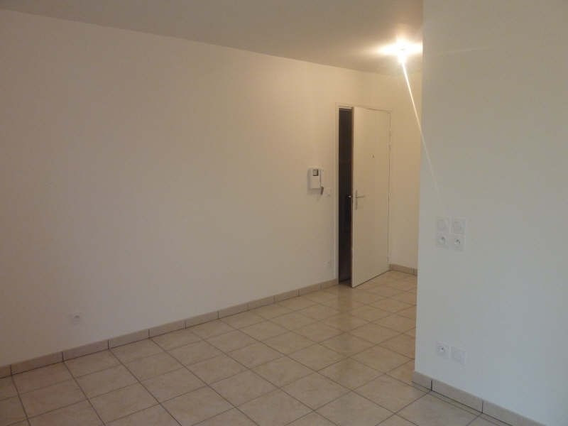 Location appartement Bron 413€ CC - Photo 3