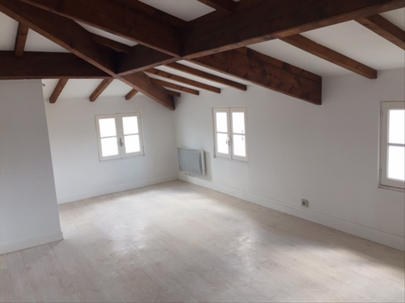 Location appartement Rochefort 535€ CC - Photo 1