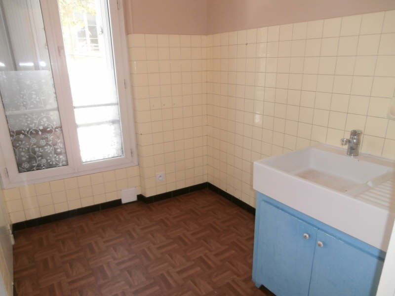 Location appartement Salon de provence 373€ CC - Photo 3