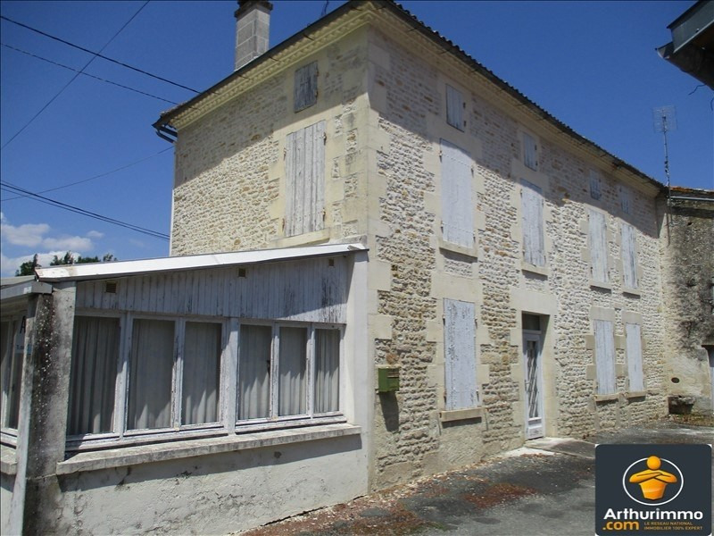 Sale house / villa St jean d angely 75600€ - Picture 1