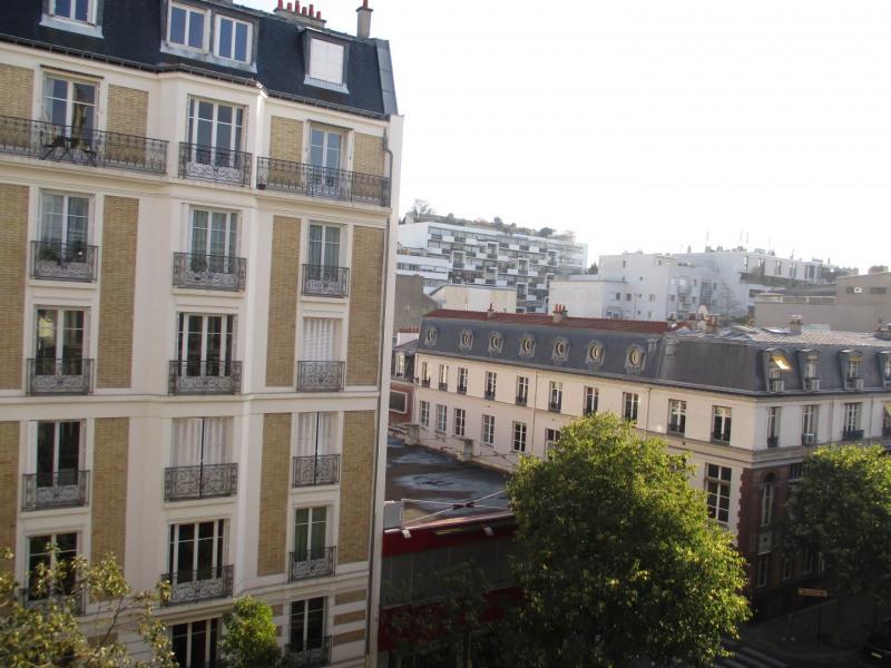 Rental apartment Paris 11ème 1170€ CC - Picture 1