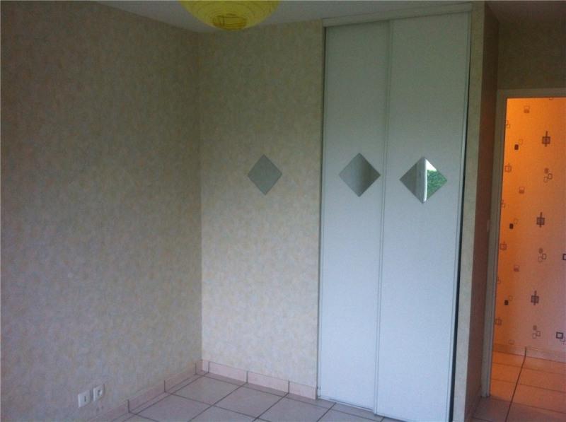 Rental house / villa Saint-loubes 650€ CC - Picture 3