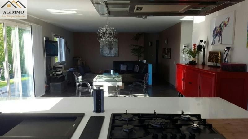 Vente maison / villa L isle jourdain 302 000€ - Photo 2
