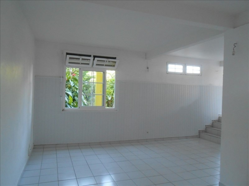 Rental apartment Basse terre 650€cc - Picture 2