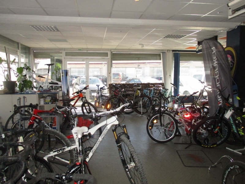 Commercial lease transfer shop Nimes 7 000€ - Picture 2
