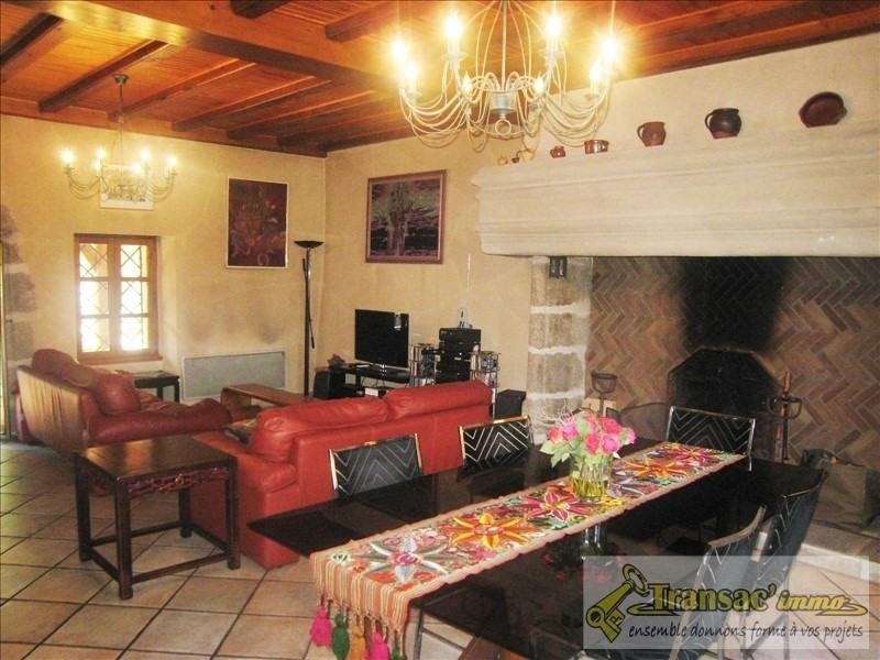 Vente maison / villa Puy guillaume 300675€ - Photo 4
