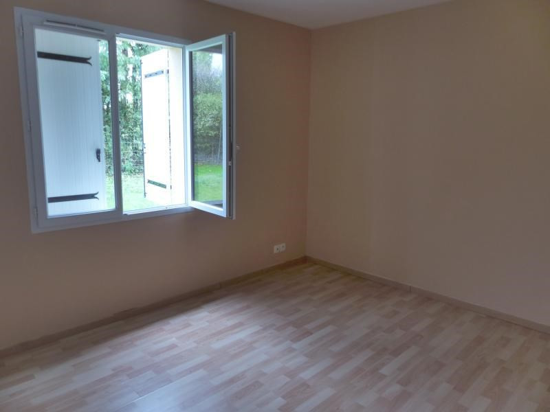 Sale house / villa Fleuré 160000€ - Picture 4