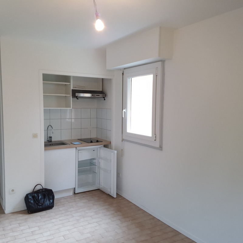 Location appartement Aix-en-provence 471€ CC - Photo 1