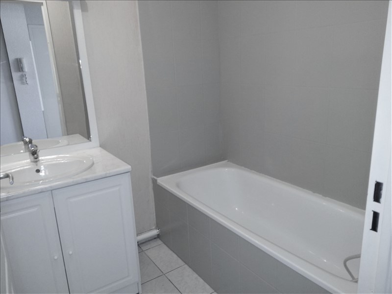 Rental apartment Lons 658€ CC - Picture 9