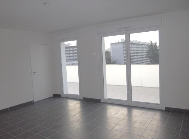 Location appartement Grenoble 617€ CC - Photo 1