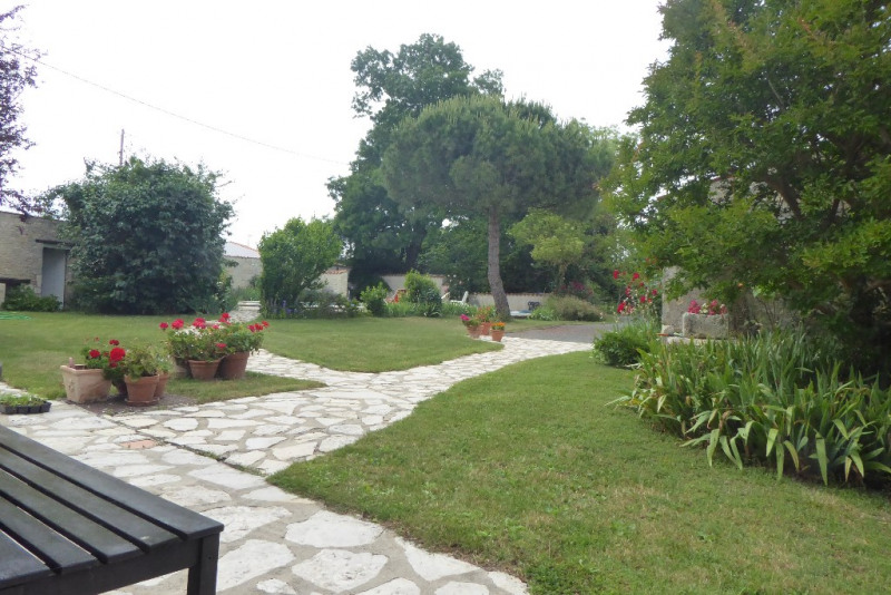 Deluxe sale house / villa Saint medard d aunis 630000€ - Picture 3