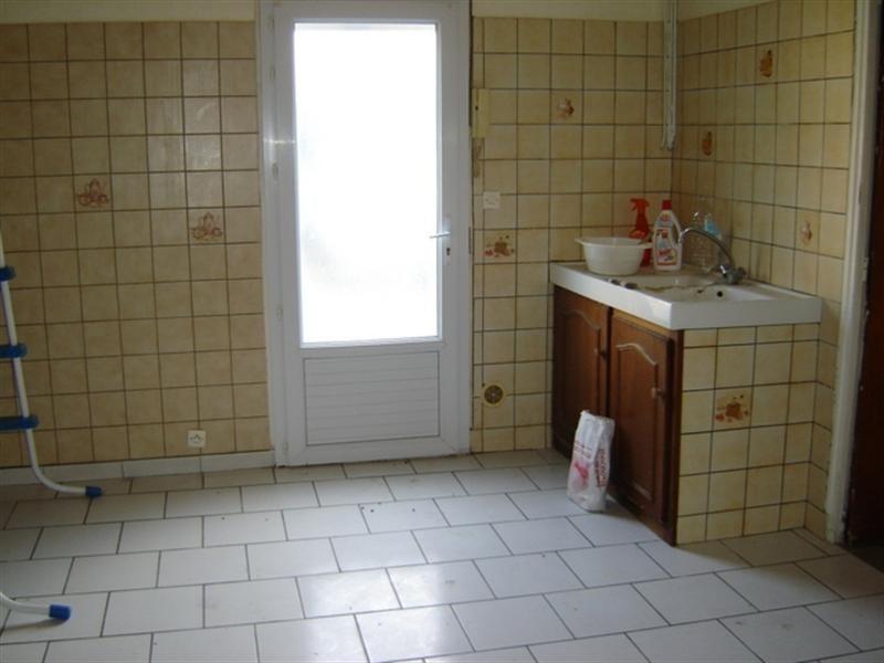 Sale building Saint-jean-d'angély 233200€ - Picture 2