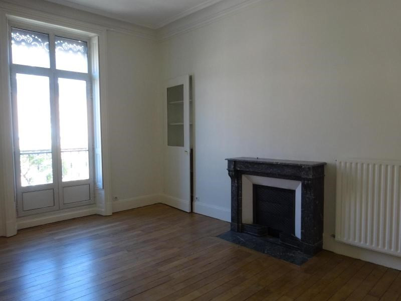 Location appartement Grenoble 1 514€ CC - Photo 4