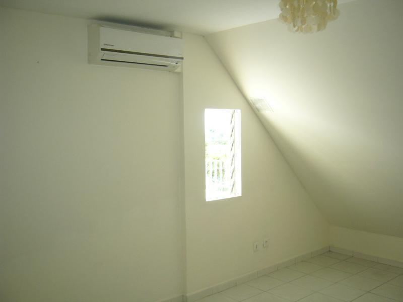 Rental apartment St denis 600€ CC - Picture 3
