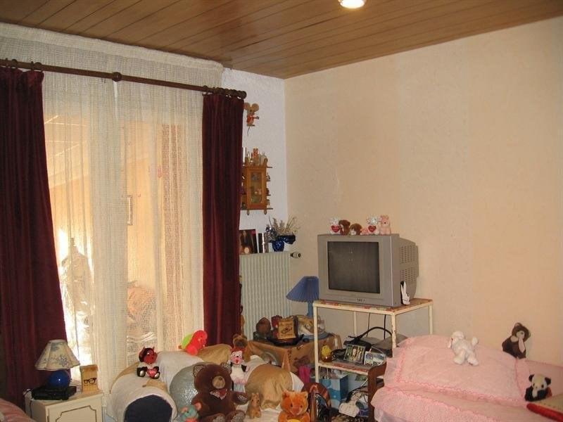 Sale house / villa Montguyon 144000€ - Picture 10