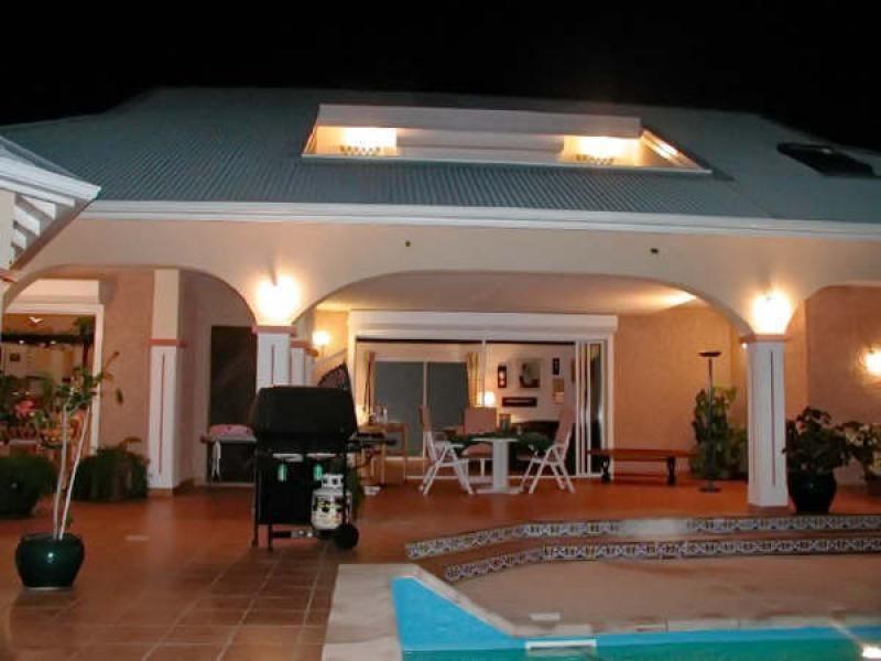 Deluxe sale house / villa St martin 735000€ - Picture 2