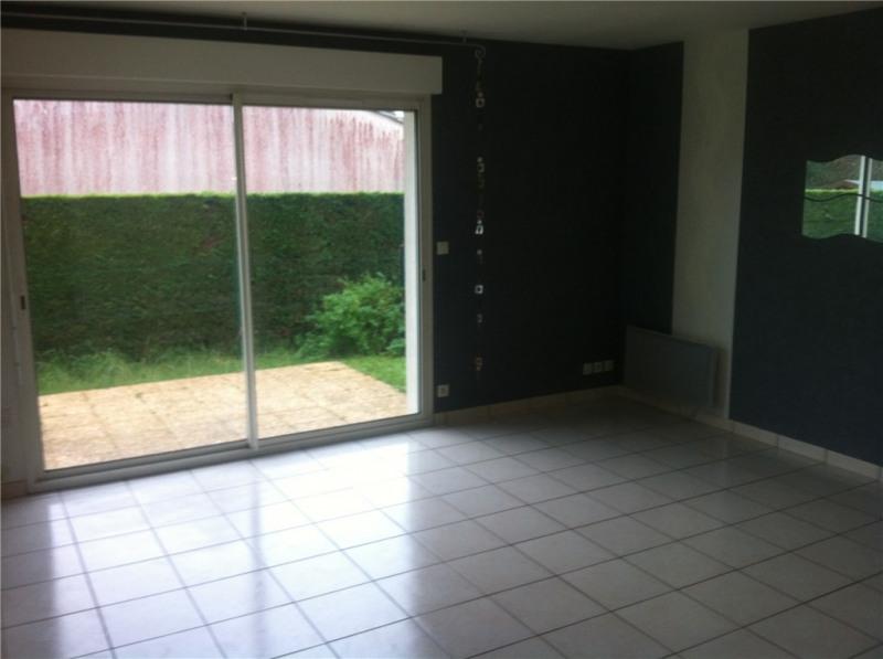 Rental house / villa Saint-loubes 650€ CC - Picture 1