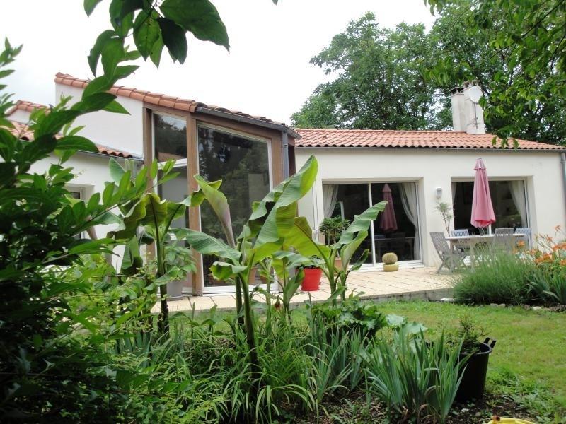 Deluxe sale house / villa La creche 354000€ - Picture 3