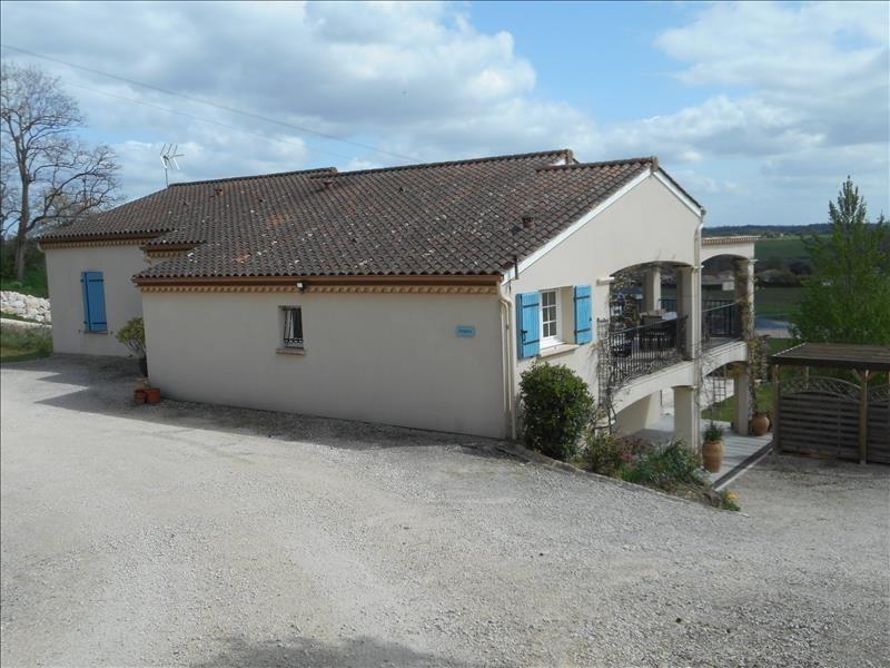 Sale house / villa Villefranche de lonchat 275000€ - Picture 1