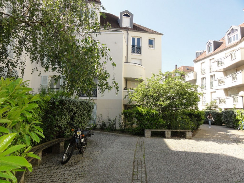 Sale apartment Rueil malmaison 395000€ - Picture 1