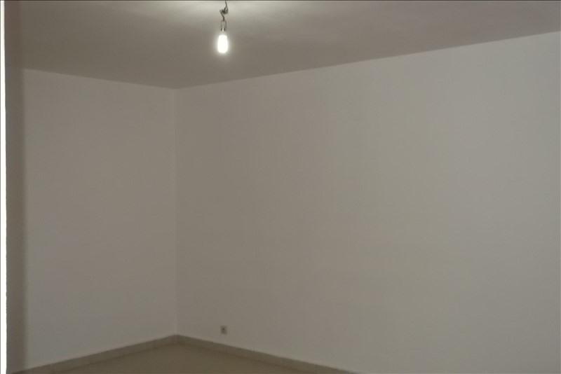 Rental apartment Lamentin 650€ CC - Picture 4