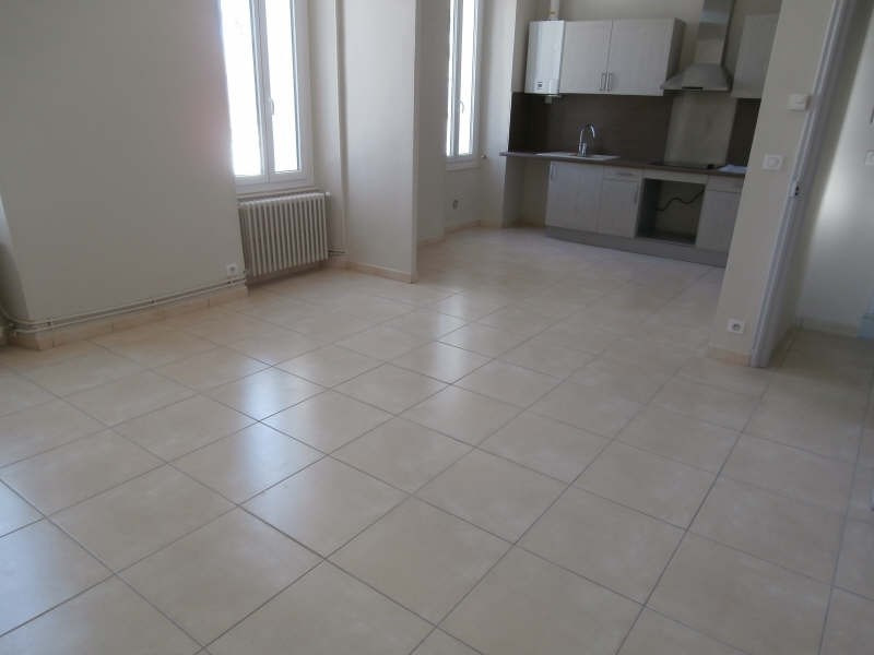 Location appartement Salon de provence 850€ CC - Photo 1
