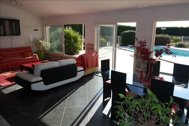 Sale house / villa Daux 377000€ - Picture 1