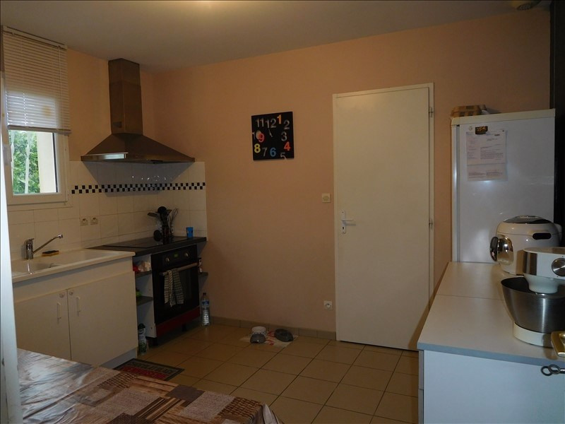 Location maison / villa Galgon 768€ CC - Photo 3