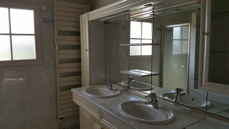 Sale house / villa Sully sur loire 229000€ - Picture 5