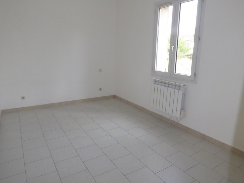 Location maison / villa Vogüé 618€ CC - Photo 11