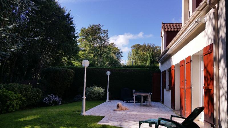 Sale house / villa Lesigny 459800€ - Picture 1