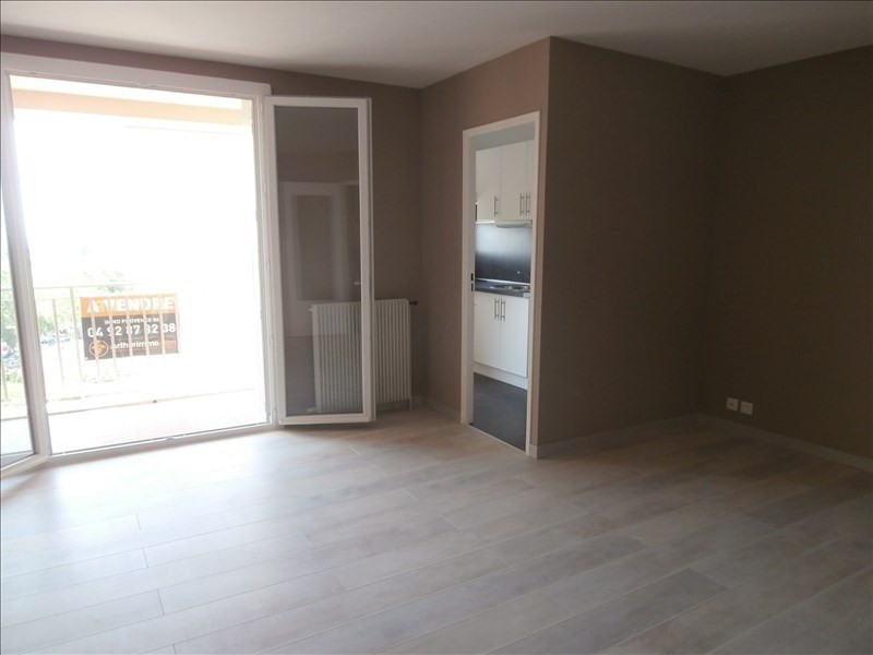 Location appartement Manosque 440€ CC - Photo 3