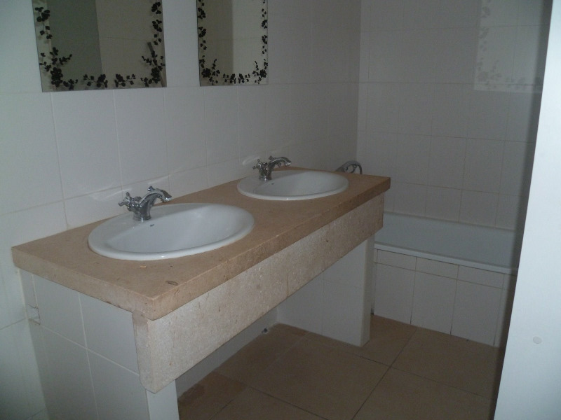 Location appartement Beaucaire 643€ CC - Photo 4